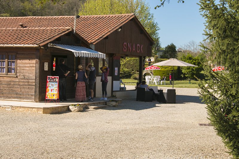 photo-snack-bar-mibi-golf-montignac-lascaux